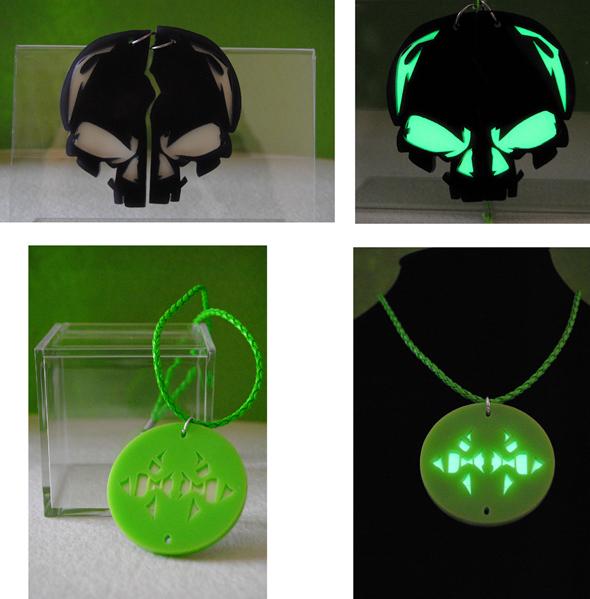 Collana in plexiglass intagliato con proprietà luminescenti